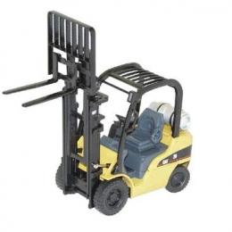 10713023 погрузчик Caterpillar (GP25N - модель) Модель погрузчика Caterpillar (GP25N - модель) Масштаб 1/25