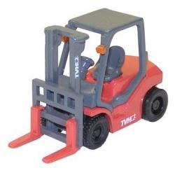 12740404 погрузчик TVH (Forklift with magnet - модель) Модель погрузчика TVH (Forklift with magnet - модель) Масштаб 1/50
